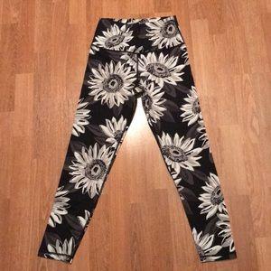 Aerie floral patterned leggings